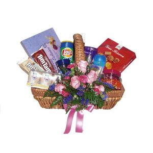Gourmet Basket with flowers